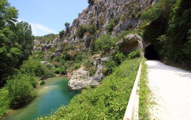 Una sponda del fiume Anapo