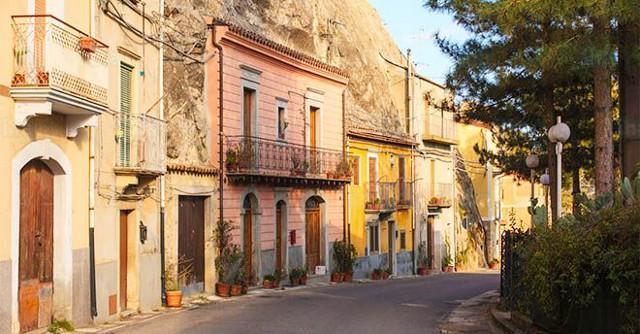 In Sicilia cresce il turismo straniero che cerca affitti brevi ma di qualità