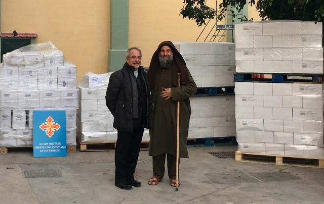 Il principe Carlo di Borbone dona 4 tonnellate di pasta e sugo alla Missione di Biagio Conte