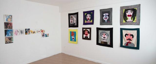 La parete dedicata ai ritratti di Filly Cusenza
