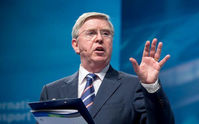 Pat Cox: Attualmente il Ponte sullo Stretto non è nella lista dell'Ue