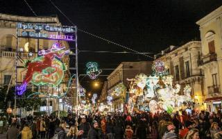 Il Carnevale di Acireale applaude ai suoi Carristi