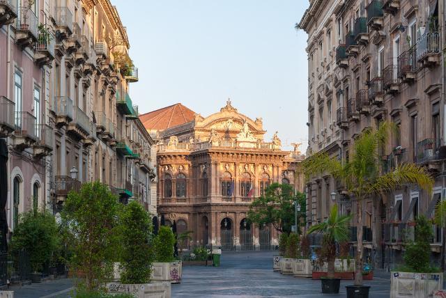 Catania in una foto di Roberto Lo Savio
