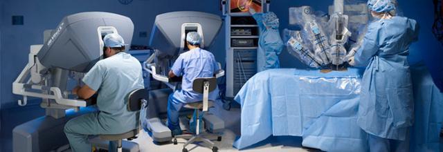 Per i medici, quello delle macchine è un ausilio importante, ma l'importante è che gli strumenti elettronici siano sempre guidati da una testa che non sia artificiale e che abbia una coscienza...