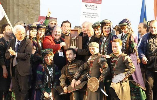 Il Gruppo folk della Georgia ha sbaragliato tutti al Mandorlo in Fiore