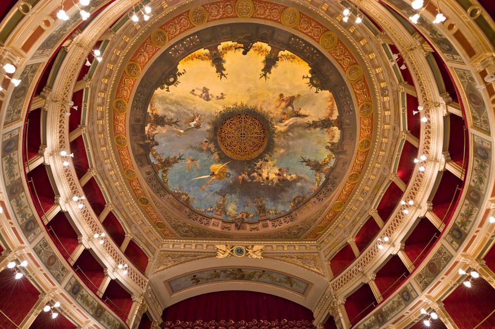 Il teatro comunale di siracusa ora si pu visitare anche for Alberghi di siracusa