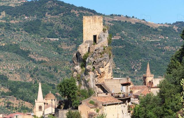 La torre di Castel Turio - Alcara Li Fusi (ME)