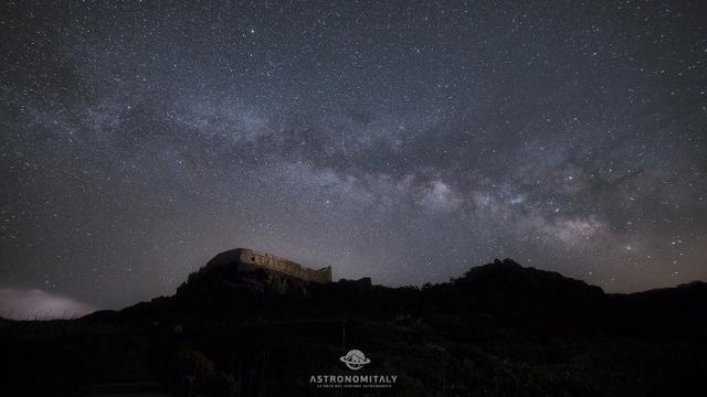 La Via Lattea sopra Ustica - ph www.astronomitaly.com