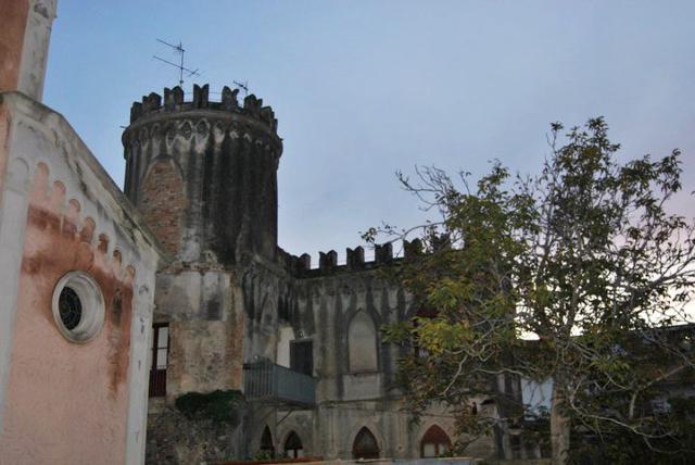 La Torre dei Saraceni nel quartiere di Bucalo a Santa Teresa di Riva