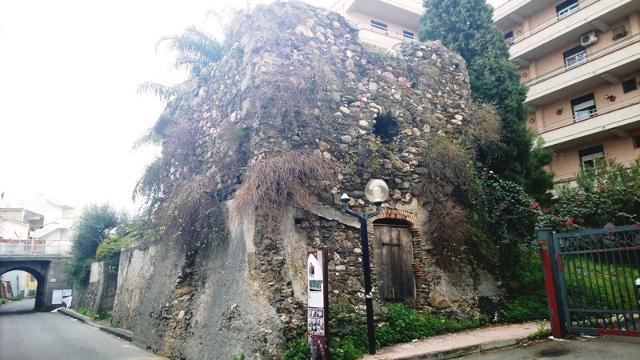 La Torre dei Bagghi di Santa Teresa di Riva