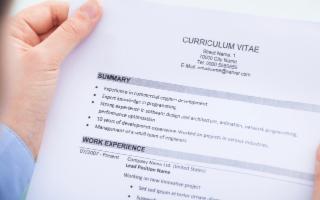 Scrivere un curriculum? Istruzioni per uso