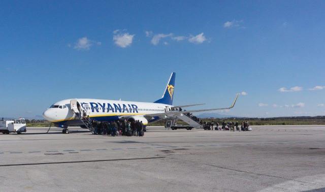 Aeromobile Ryanair sulla pista dello scalo Vincenzo Florio