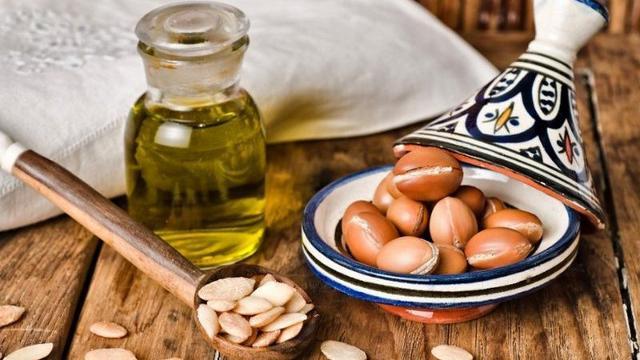 I prodotti più acquistati dalle donne siciliane per la cura dei propri capelli sono quelli con olio d'Argan del Marocco...