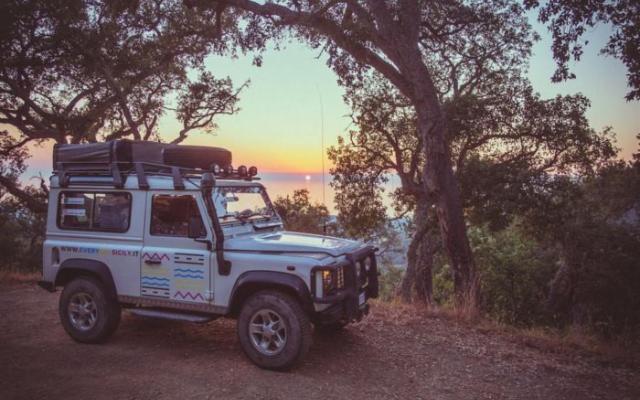 In Sicilia, coast to coast, in camper