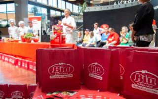 Filippo La Mantia interpreta il Bia CousCous a FICO Eataly World