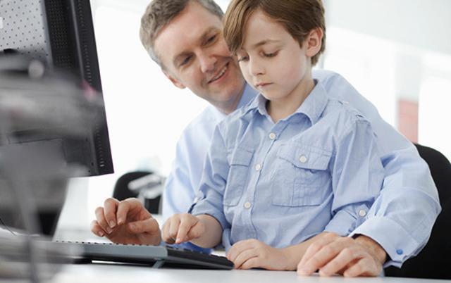I bambini in ufficio rendono più leggera l'atmosfera, e poi è l'occasione per passare del tempo insieme e mostrare loro dove si lavora.