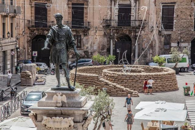"""""""La Spirale della Vita"""" in memoria delle vittime di mafia di Gianfranco Meggiato - Piazza Bologni, Palermo (foto di Paolo Ferraina)"""