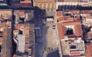 Una grande spirale della vita a Piazza Bologni