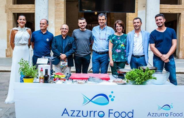 Da sinistra: Vanessa Galipoli, Paolo Brai, Nino Carlino, Simone Scipioni, Dario Cartabellotta, Francesca Valenti, Michele Catanzaro e Antonio Di Marca - Azzurro Food