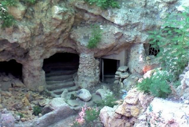 L'entrata della Grotta delle Meraviglie di Naro