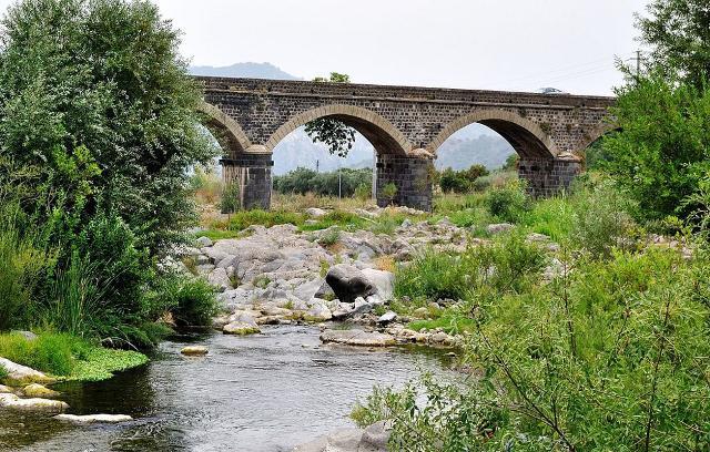 Il ponte sul fiume Alcantara - ph Alessia Saccone