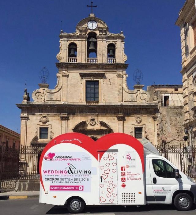 Il camper dell'amore di Wedding and Living - il salone nazionale della sposa del centro fieristico le Ciminiere di Catania (dal 28 al 30 settembre) - è in giro per la Sicilia