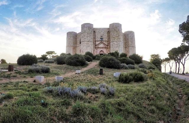 La fortezza di Federico II di Castel del Monte, in Puglia