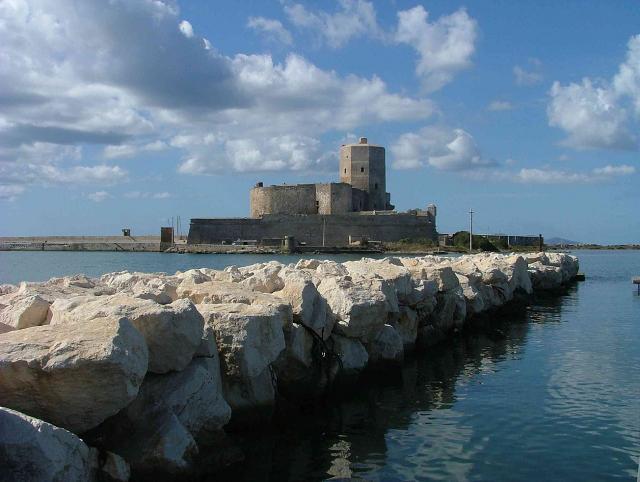 Il Castello della Colombaia di Trapani, conosciuto anche come Castello di mare e Torre Peliade