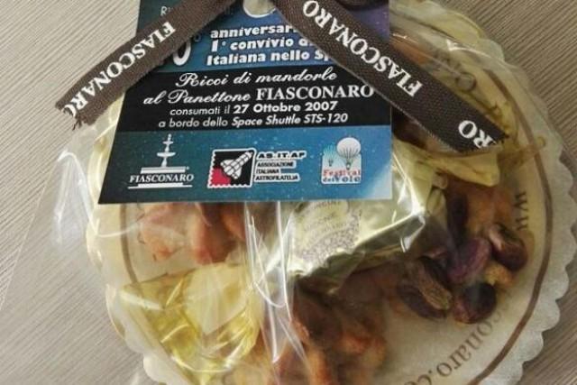 I dolcetti a base di panettone e pasta di mandorla - creati appositamente dal maestro pasticcere Nicola Fiasconaro - che il 23 ottobre 2007 andò in orbita, a bordo del Discovery Shuttle della Nasa