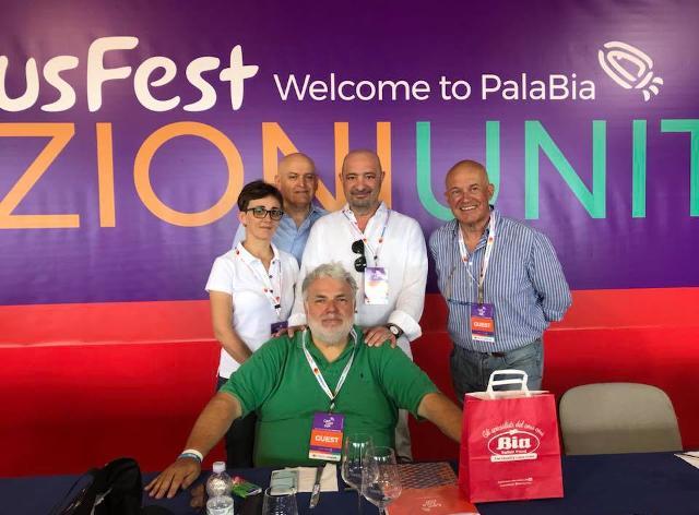 La giuria degli esperti. Da sinistra: Antonietta Mazzara, Luciano Pollini, Ferruccio Ruzzante, Paolo Pellegrini. Seduto al centro Roberto Perrone
