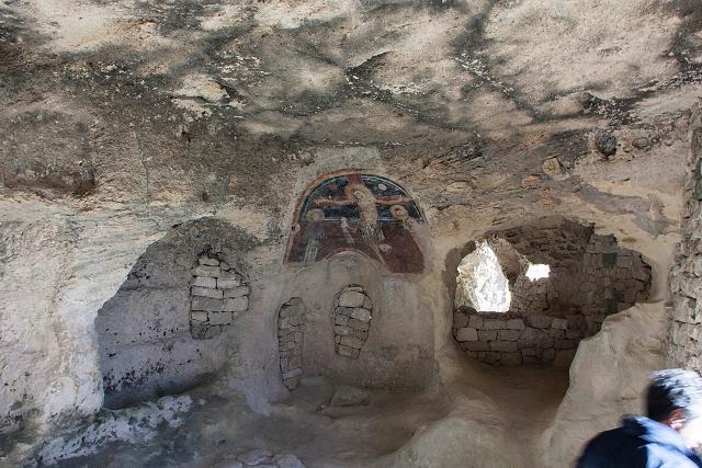 L'affresco interno alla Grotta dei Santi (Licodia Eubea) - ph.  Davide Mauro
