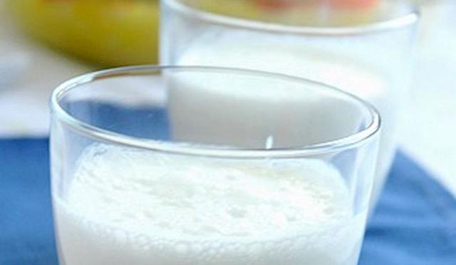 La bevanda tradizionale che dovrebbe accompagnare il couscous è il ''Lben'', il latte fermentato.