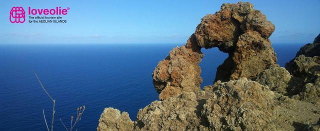 Arco Cresta Capraio, Panarea - LovEolie | Aeolian Islands Destination Marketing Company