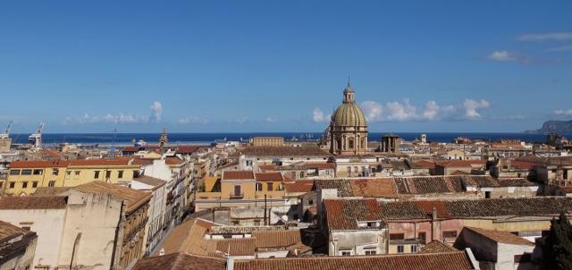 Panorama di Palermo. La Cupola del Santissimo Salvatore