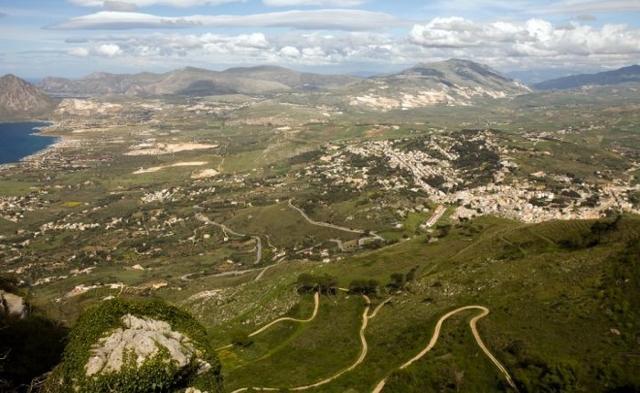 Uno dei panorami che si può godere da Erice - ph. Sofia Kozlova - Shutterstock.com