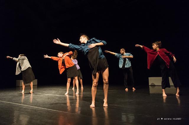 I danzatori del programma MoDem Pro, del centro nazionale di produzione della danza Scenario Pubblico/Compagnia Zappalà Danza, fotografati da Serena Nicoletti