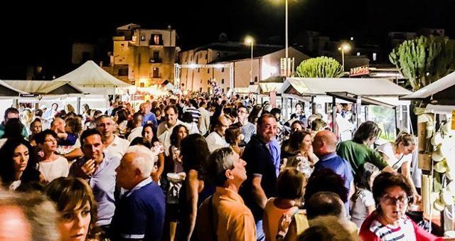 """""""Sicily Food Festival"""", la festa del cibo siciliano, che si snoderà lungo l'incantevole cornice del lungomare di Cefalù"""