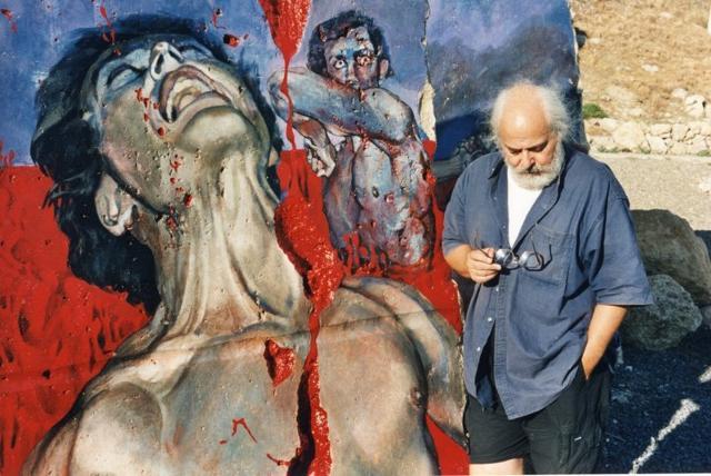 Silvia Benedetto davanti una sua opera