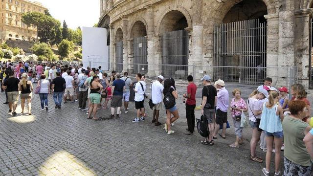 Nel periodo gennaio-giugno del 2018 sono arrivati nell'Isola circa 2 milioni di visitatori stranieri
