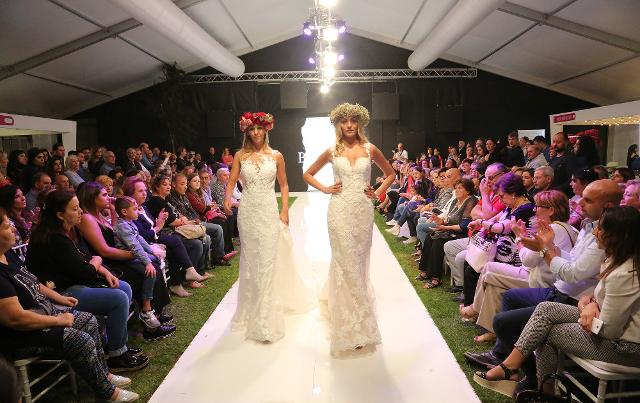 "Quest'anno ""Wedding and Living"" porta in passerella le ultime novità presentate alle bridalweek di Milano, Barcellona, Parigi"
