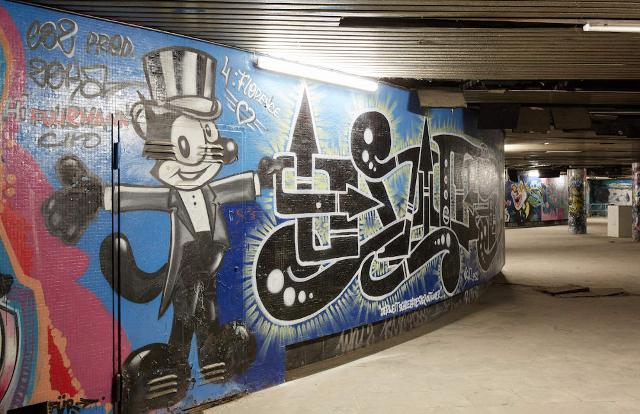 Uno dei tanti graffiti del sottopassaggio della Worringer Platz