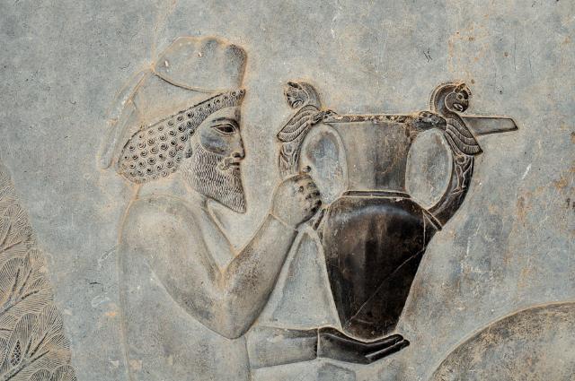 La presenza del vino in quanto tale risalgono alla fine del IV millennio a.C. nella città di Sumer nella Mesopotamia meridionale...