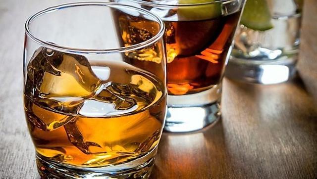 Nel mondo 1 persona su 3 consuma regolarmente bevande alcoliche...