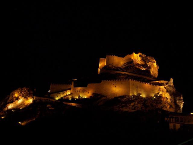 Il Castello Manfredonico di notte - ph Giovanni Mancuso - flickr.com