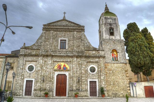 Chiesa della Santissima Annunziata e di San Nicolò. E' la Chiesa Madre di Contessa Entellina di rito greco-ortodosso