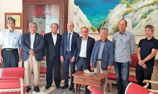 La delegazione giapponese che ha visitato l'arcipelago delle Eolie