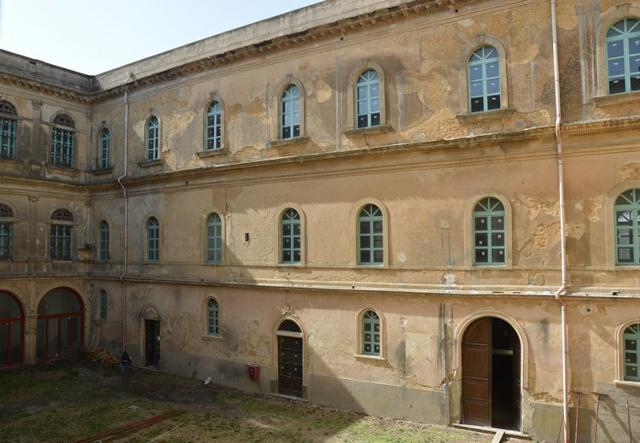 Il cortile interno dell'ex Convento di Sant'Agostino a Caltagirone