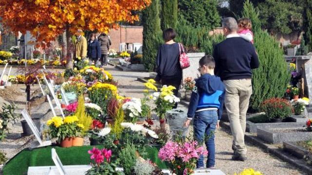 Il 2 Novembre la Chiesa fa solenne commemorazione dei defunti