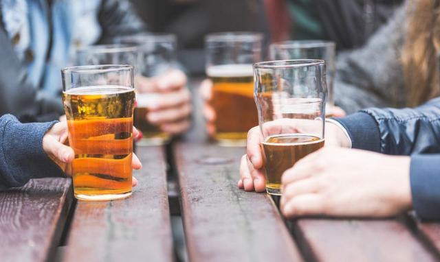 L'abitudine all'aperitivo è prevalentemente dei giovani (e ci si riferisce a persone al di sotto dei 21 anni)