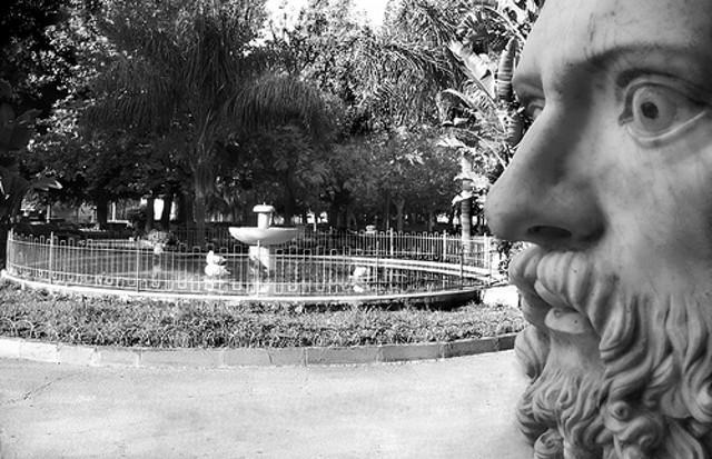 Il busto del filosofo Gorgia nella villa comunale di Lentini